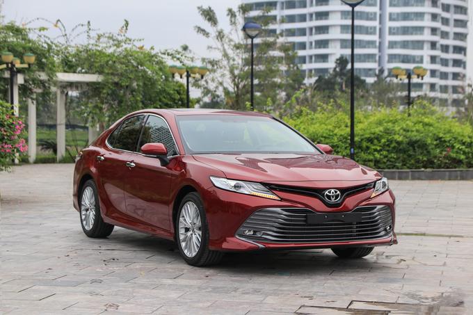 Toyota Camry 2019 nhập khẩu mở bán tại Việt Nam nhiều công nghệ hiện đại